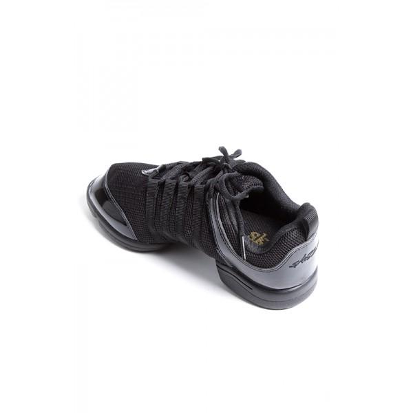 Skazz Mambo, sneakery